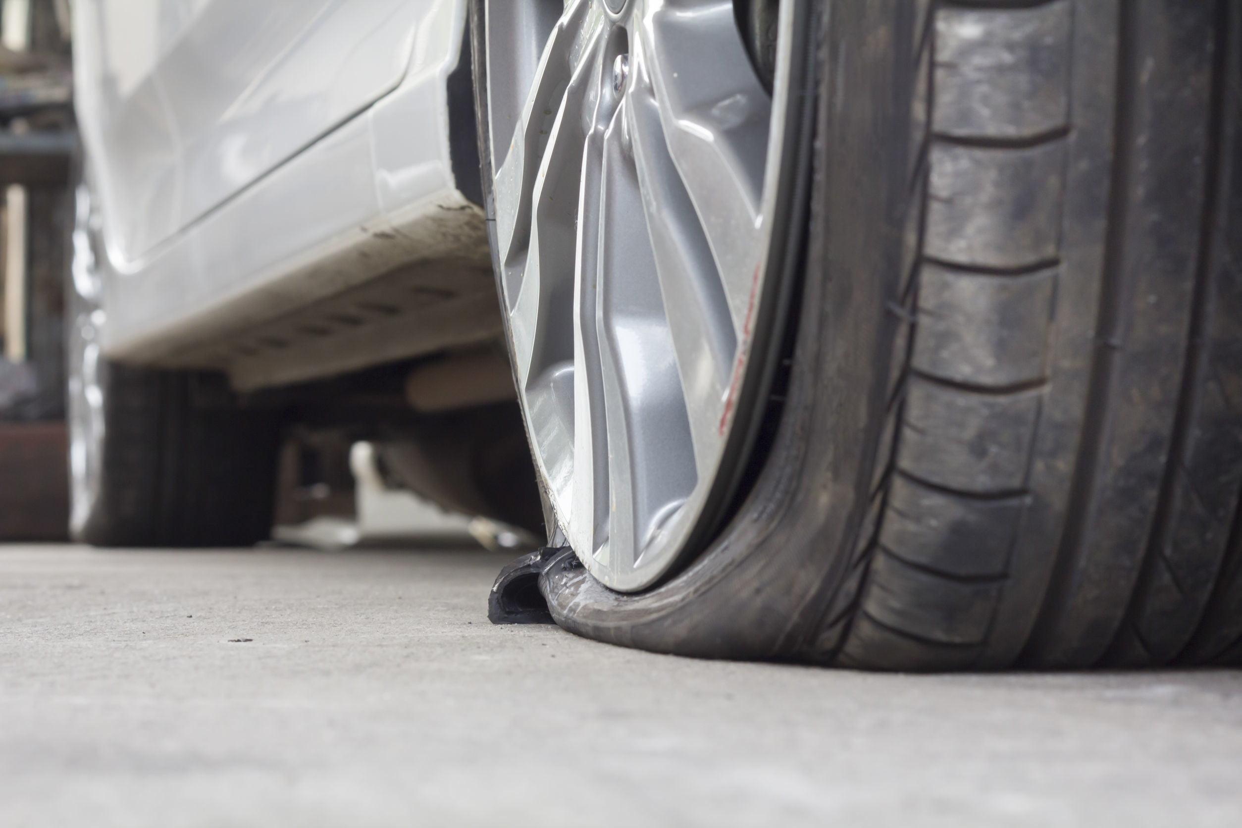 change-flat-tire